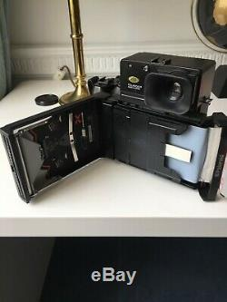 MINT Polaroid 600SE camera with 127mm lens (TESTED)