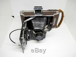 Moment Old Vintage USSR Polaroid Camera 16.8 F = 135mm very Rare, collector's