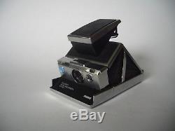 POLAROID REVUE SX 70 ALPHA 1 LAND CAMERA / Silver Black / Blue Button / Kamera