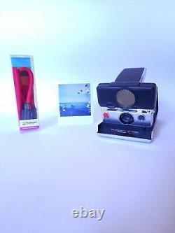 POLAROID SX 70 Autofocus SONAR Instant LAND CAMERA Silver-Black + Strap / Kamera