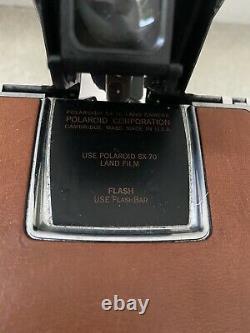 POLAROID SX-70 LAND CAMERA With ORIGINAL POLAROID LEATHER BAG