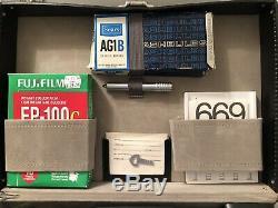 Polaroid 180 instant film camera almost complete in case ex++++ film tested