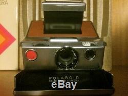 Polaroid sx-70 Land Camera Vintage (1972) Lens Focus Instant Film photo No Flash