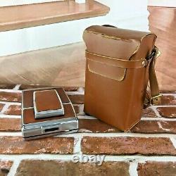 VINTAGE POLAROID SX-70 LAND CAMERA and Leather Case