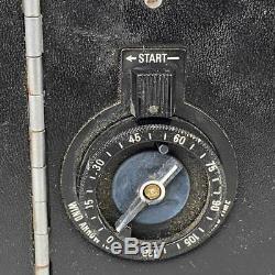 Vintage 1960s POLAROID 195 Land Folding Instant Camera Tominon 13.8 f=114 Lens