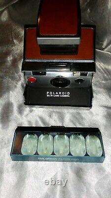 Vintage 1973 Polaroid Land Camera Sx-70 With Leather Case & Flash Bulb
