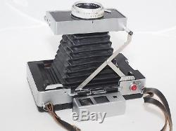 Vintage Polaroid 180 Instant film camera with manual shutter. Ex cond. Withcover