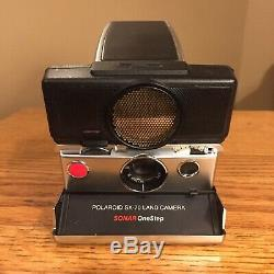 Vintage Polaroid SX-70 Land Camera Sonar One Step Strap Manual Black Red Button