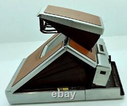 Vintage Polaroid SX-70 Land camera in Good working order