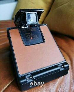 Vintage black version fotocamera polaroid sx-70 land camera alpha iconic model